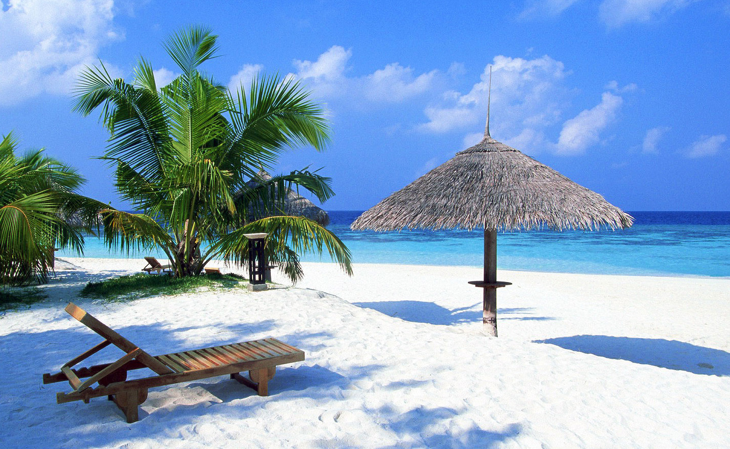 """Tropical Island Beach Ambience Sound: The Life And Times Of A """"Renaissance Ronin"""""""
