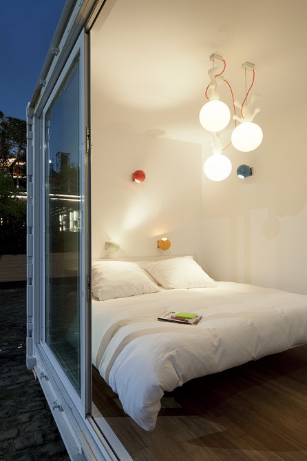 sleeping-around-container-hotel-1