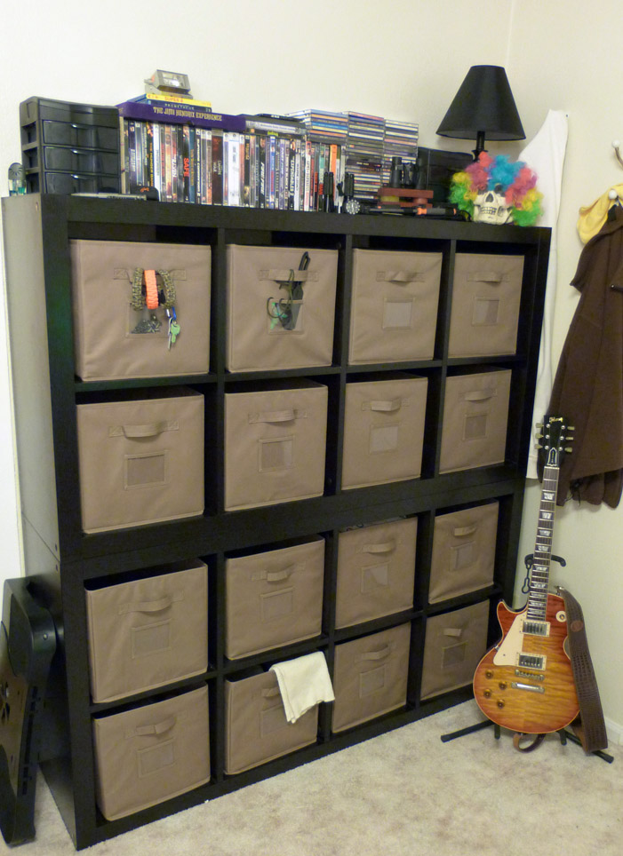 February 2013 – Bedroom Wall Storage Systems