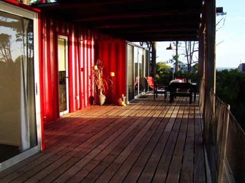 Eco-Stacked-Shipping-Container-Apartments-in-Uruguay-03