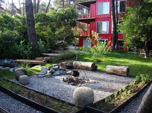Eco-Stacked-Shipping-Container-Apartments-in-Uruguay-07